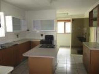 3 Bedroom House For Sale in Vineta