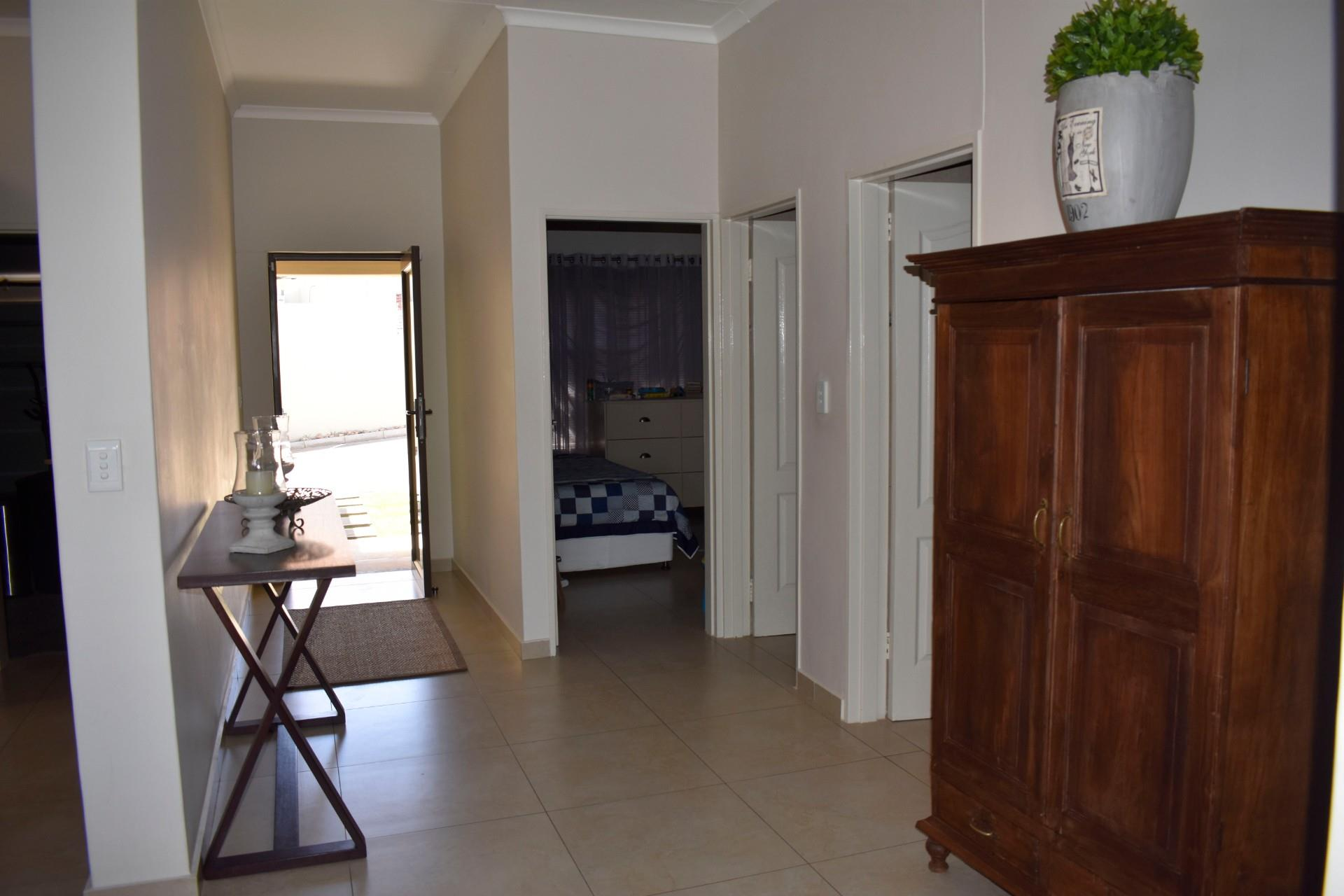 2 Bedroom Town house For Sale in Avis
