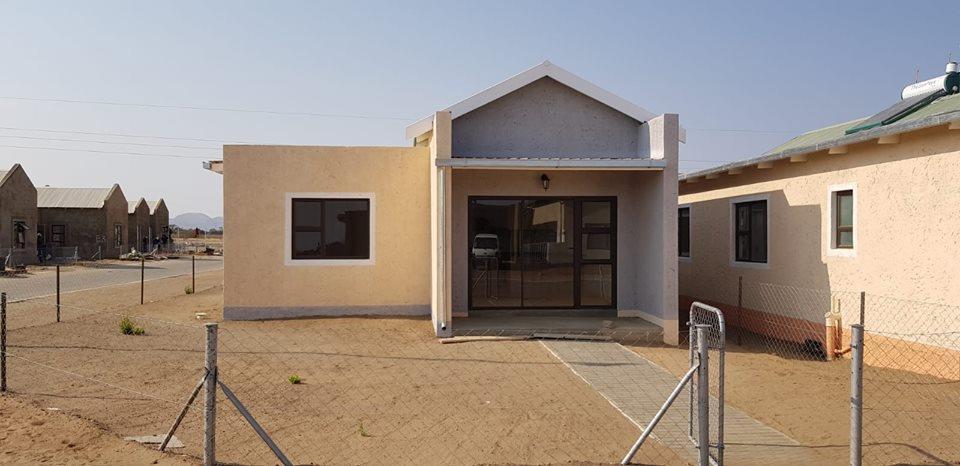 3 Bedroom House For Sale in Brakwater
