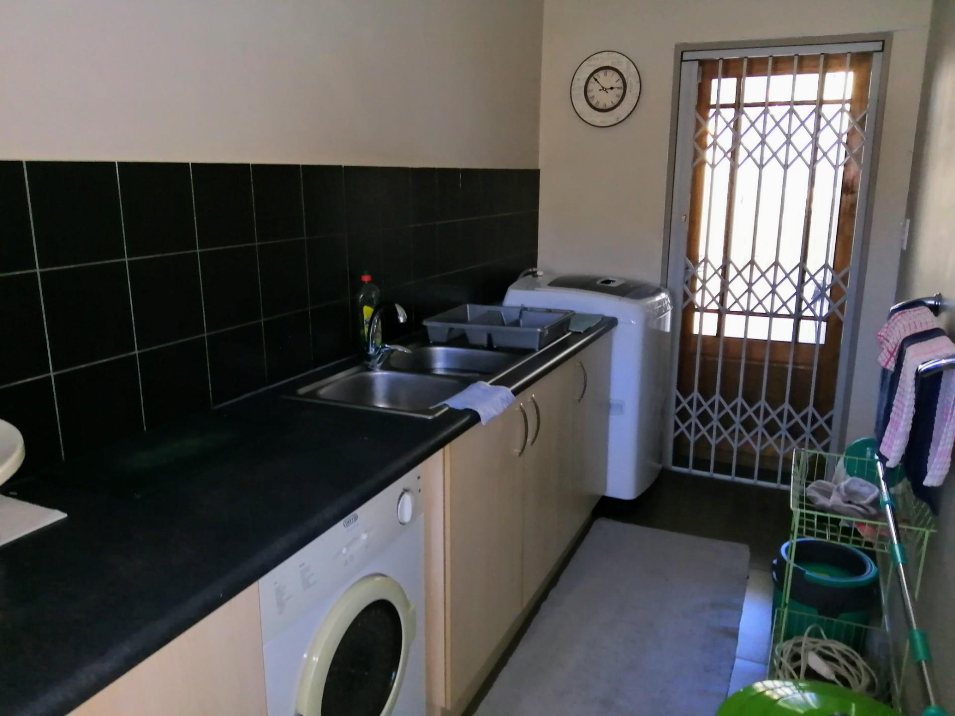 3 Bedroom Town house For Sale in Kleine Kuppe