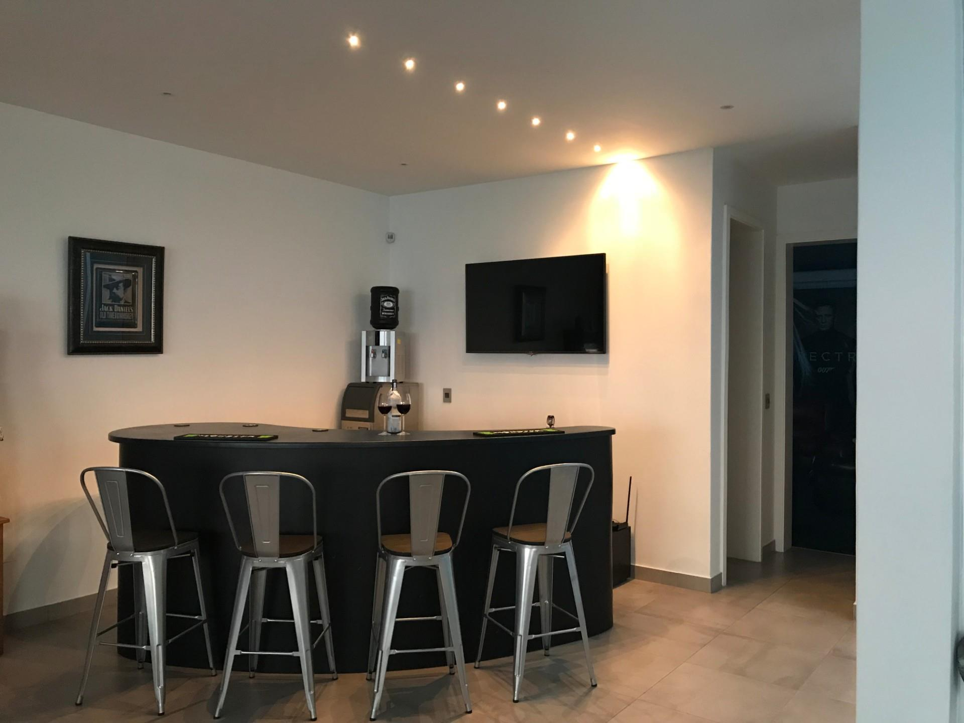 4 Bedroom House For Sale in Long beach
