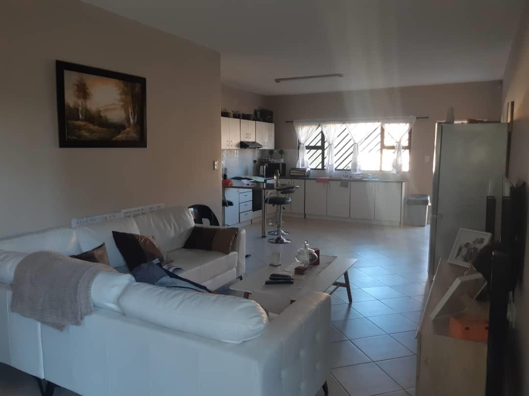 3 Bedroom Town house For Sale in Rocky Crest