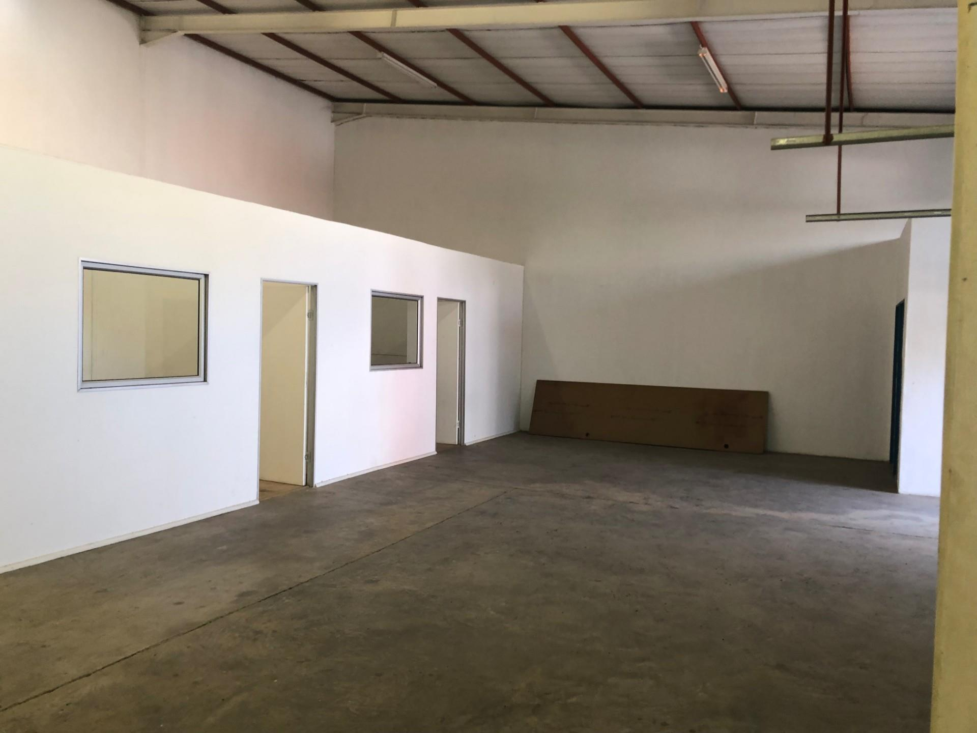 Warehouse in Prosperita For Sale