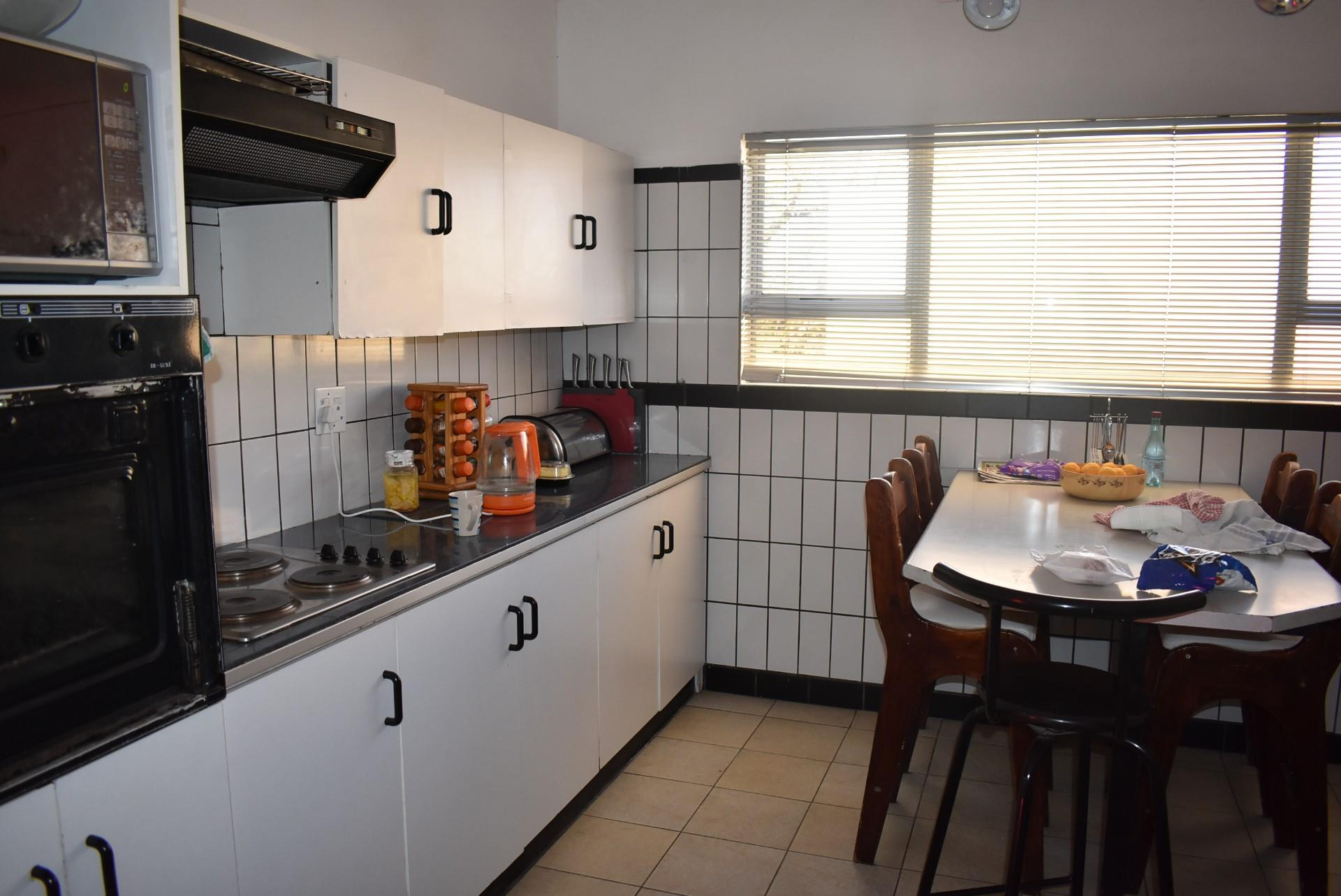 3 Bedroom House For Sale in Eros