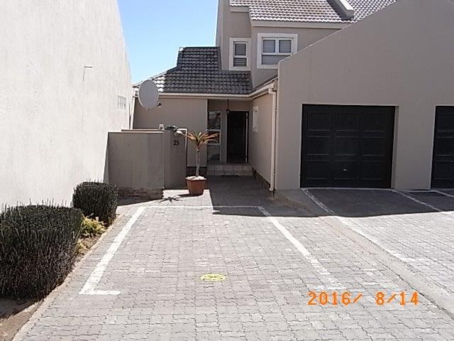3 Bedroom House For Sale in Langstrand