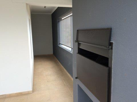 2 Bedroom Apartment For Sale in Pioniers Park