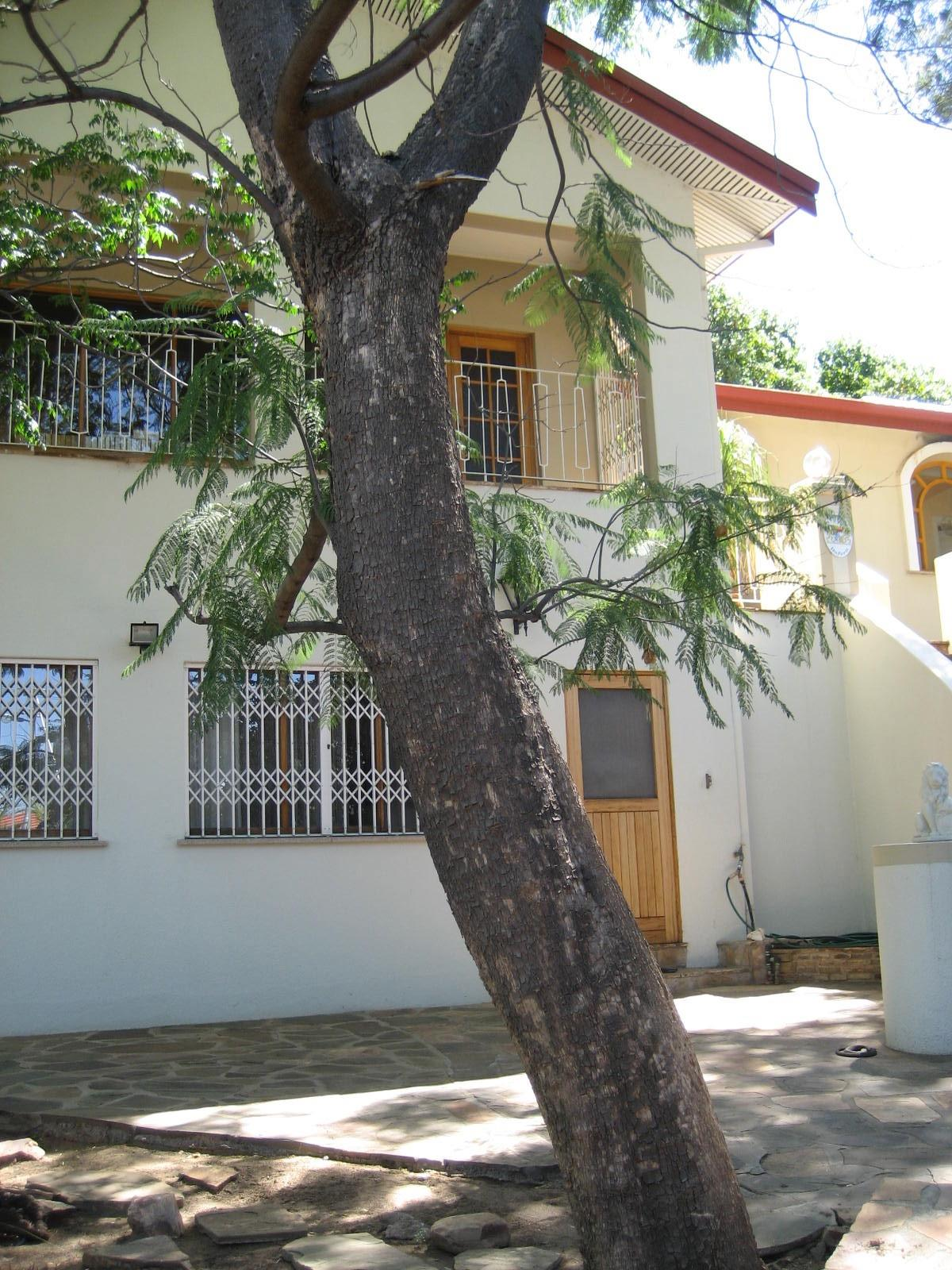 3 Bedroom House For Sale in Luxury Hill