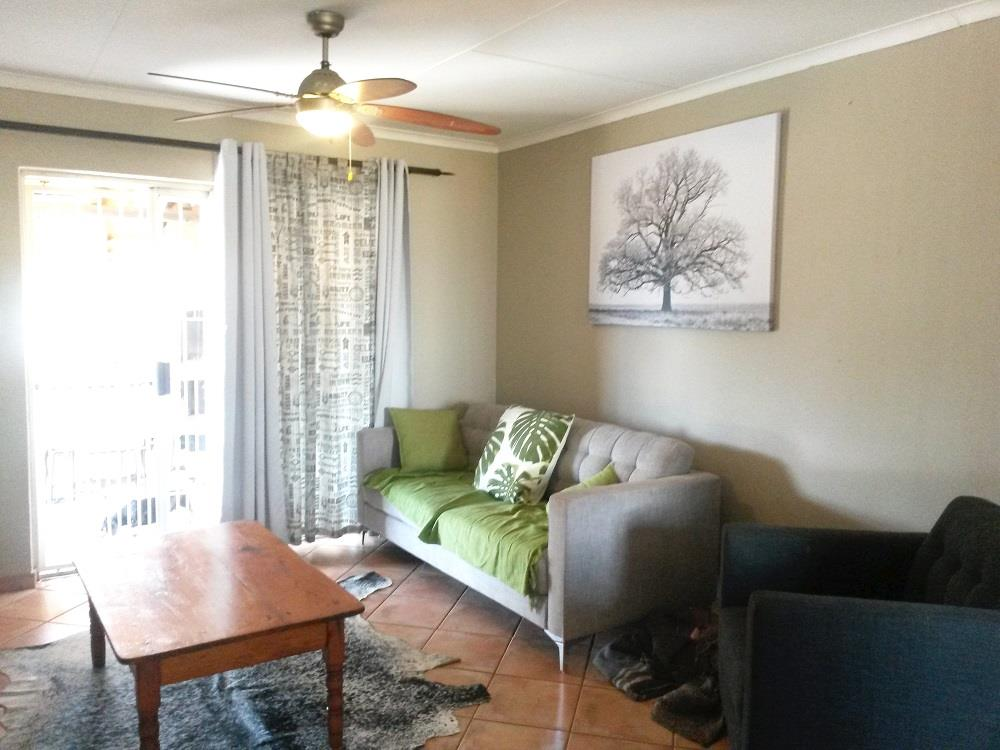2 Bedroom Town house For Sale in Pioniers Park