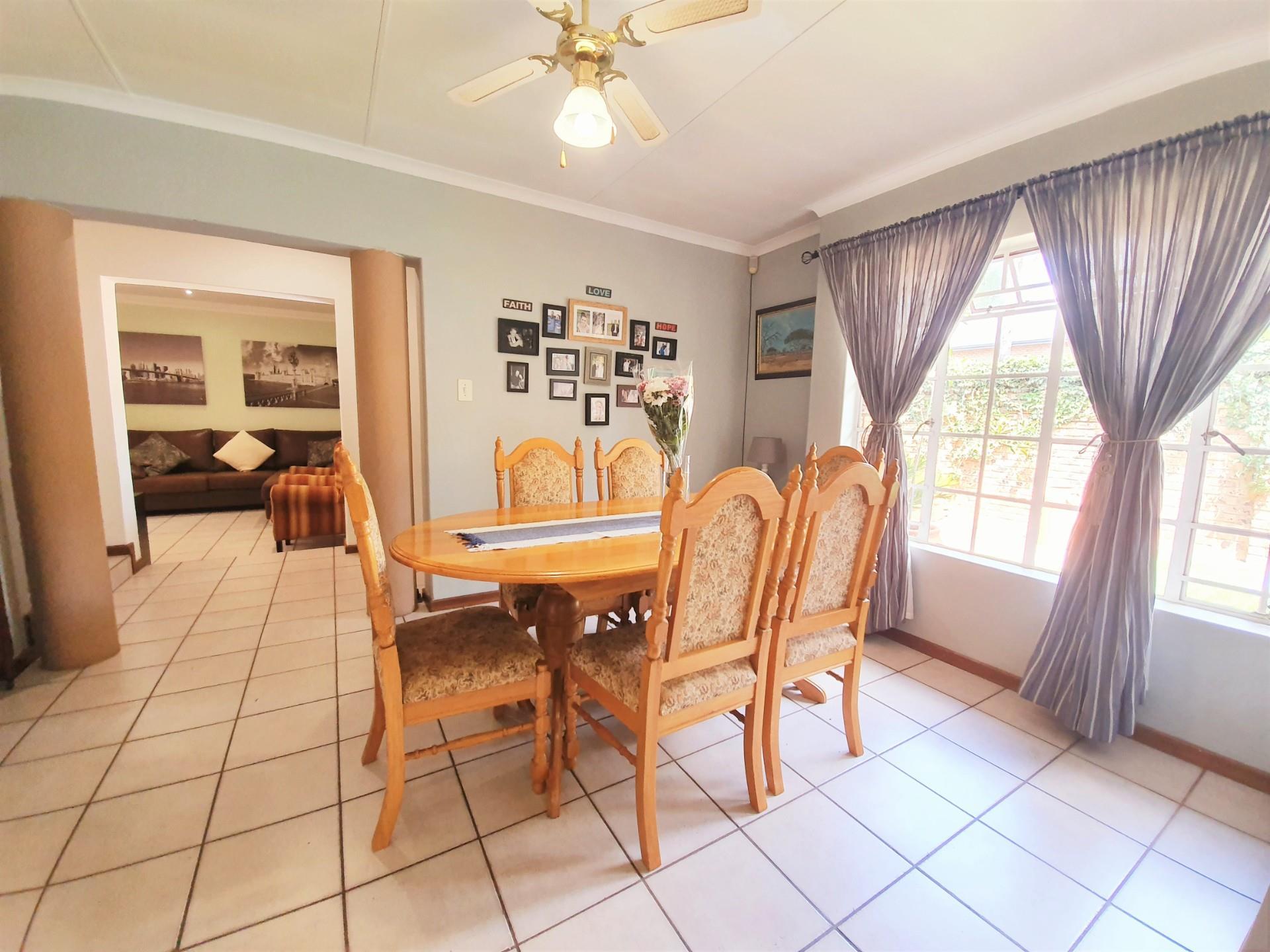 3 Bedroom House For Sale in Moreleta Park