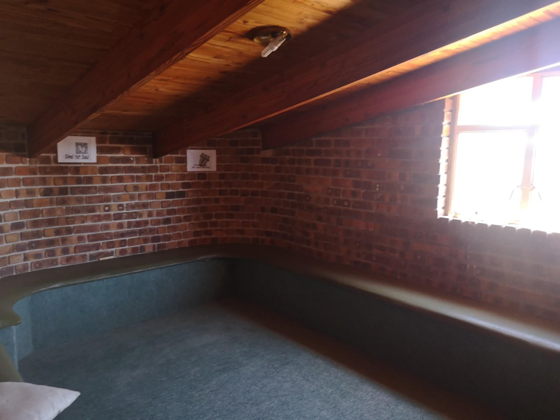 Commercial Property in Kanonkop For Sale