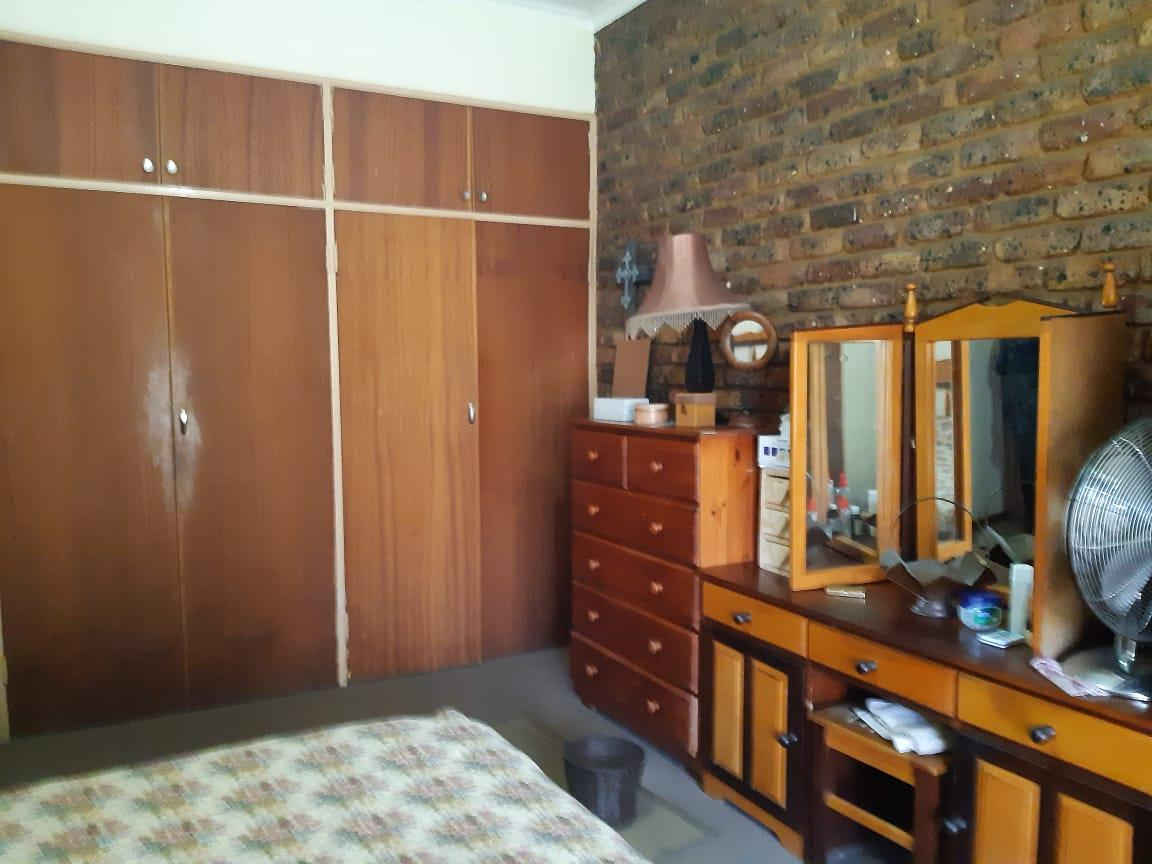 2 Bedroom Townhouse For Sale in Gholfsig