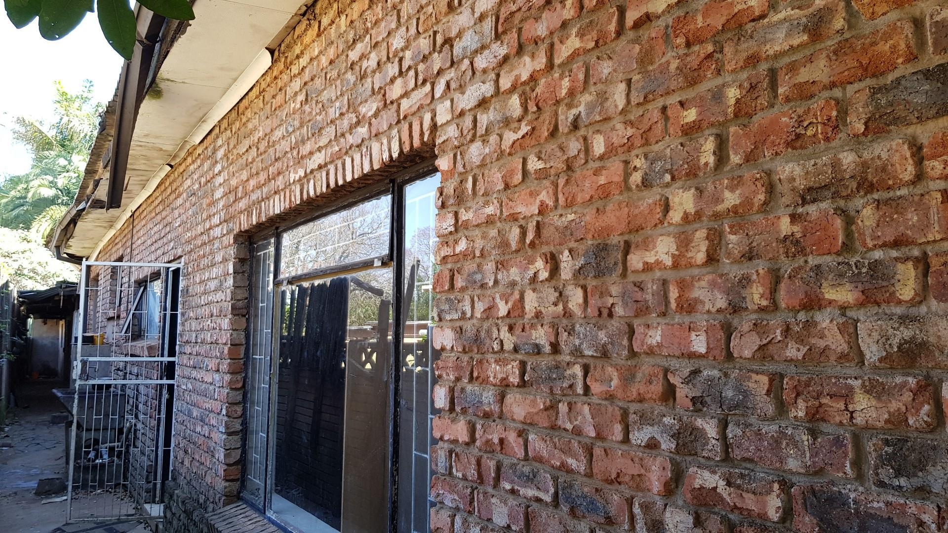 11 Bedroom House For Sale in Louis Trichardt