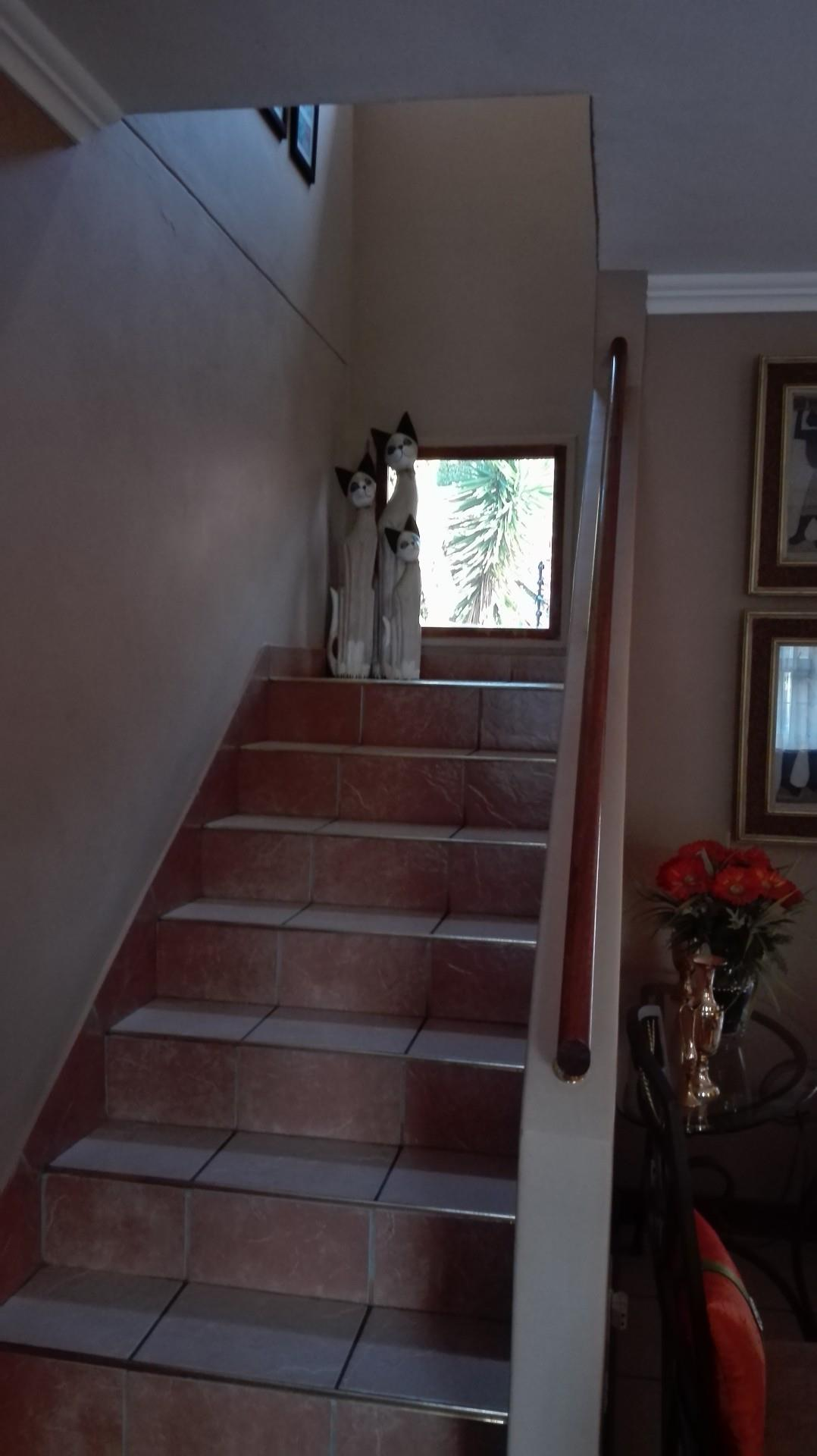 3 Bedroom Town house For Sale in Louis Trichardt