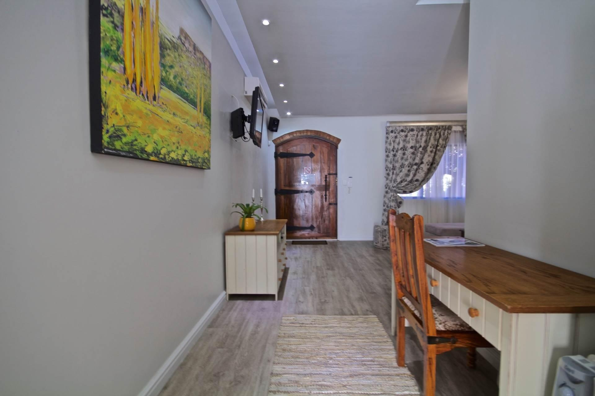 5 Bedroom House For Sale in Sunset Beach