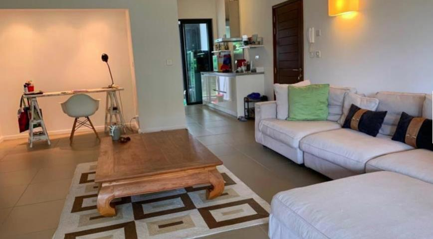 2 Bedroom Apartment To Rent in Roches Noires