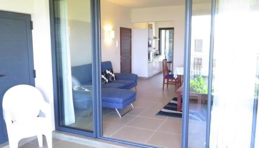 4 Bedroom Apartment To Rent in Roches Noires