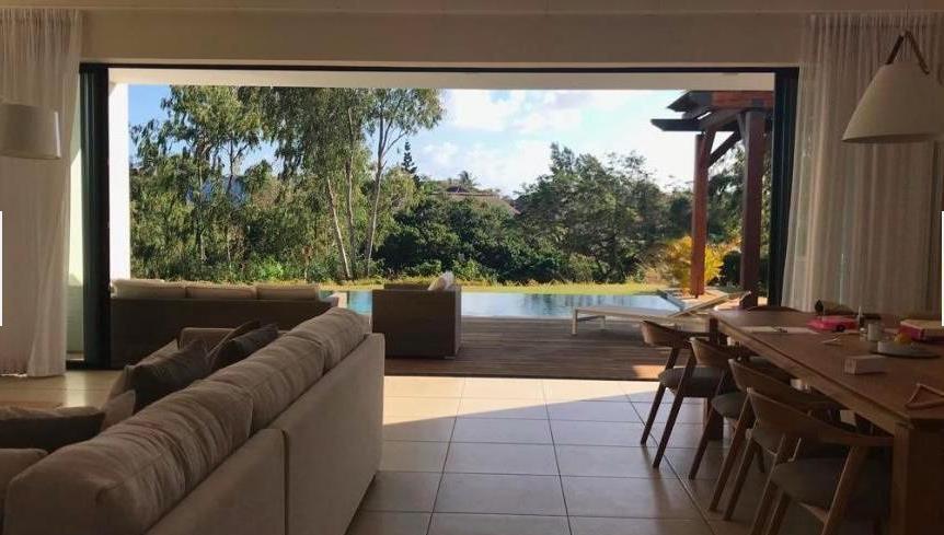 Villa in Roches Noires To Rent