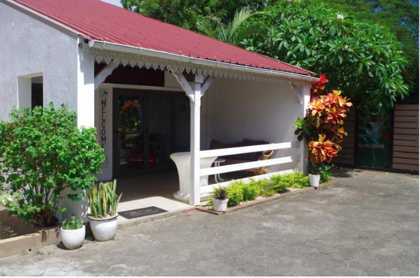 Industrial Property in Mon Choisy For Sale
