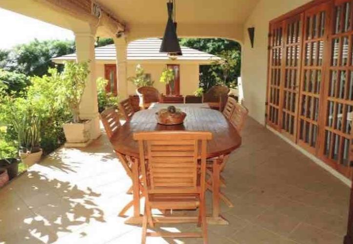 4 Bedroom House To Rent in Tamarin
