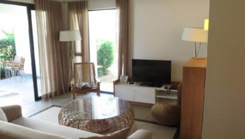 3 Bedroom Apartment For Sale in Roches Noires