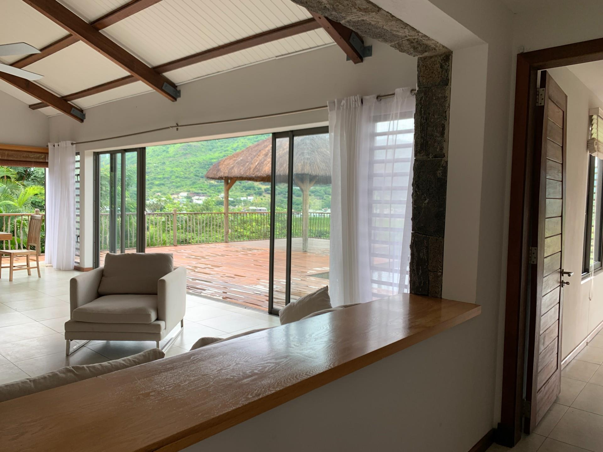 4 Bedroom House To Rent in Tamarin