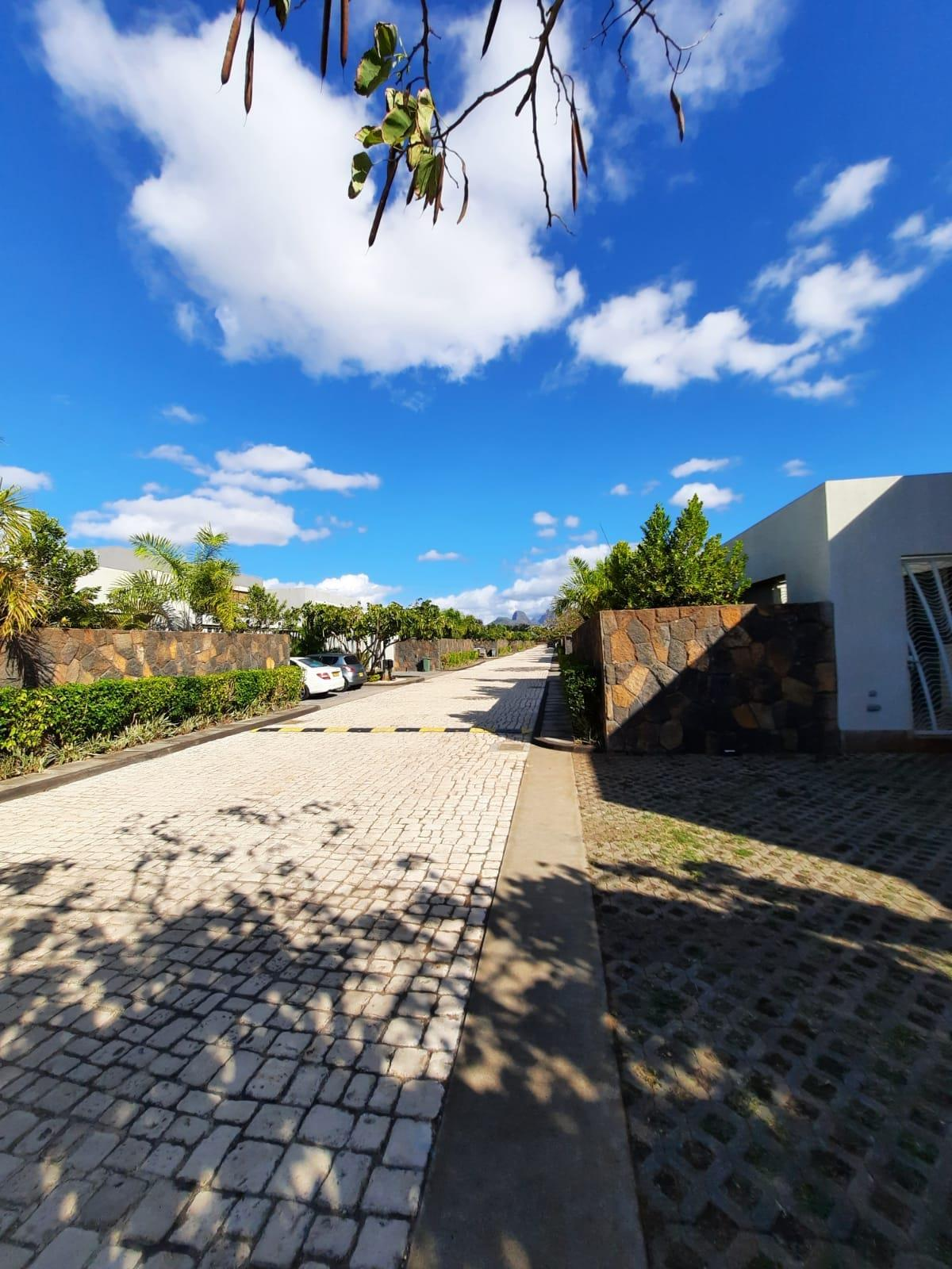 3 Bedroom Townhouse For Sale in Balaclava