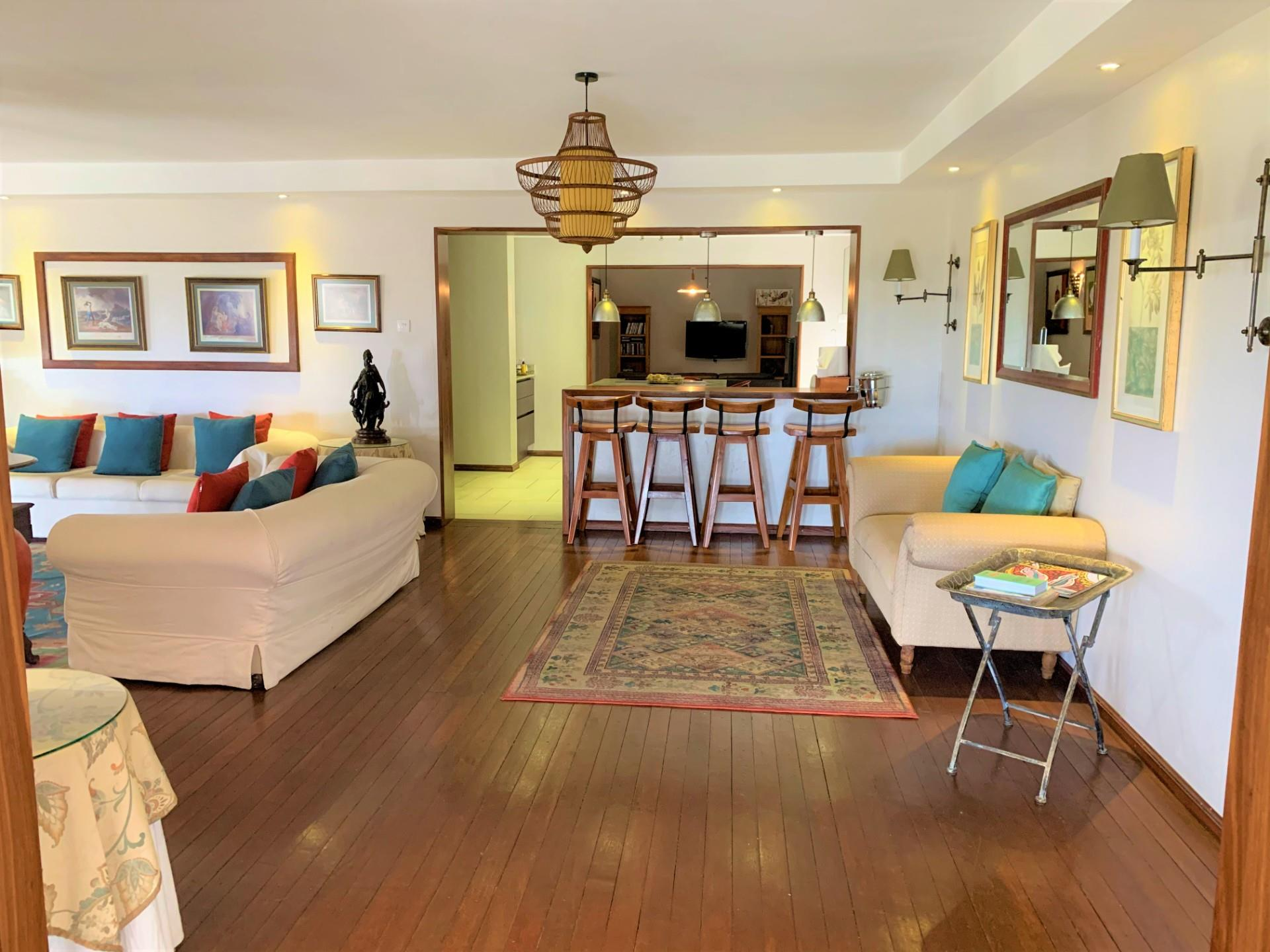 7 Bedroom House For Sale in Tamarin