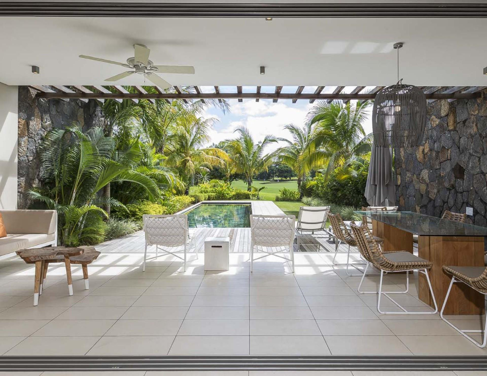 3 Bedroom Apartment / Flat For Sale in Beau Champ