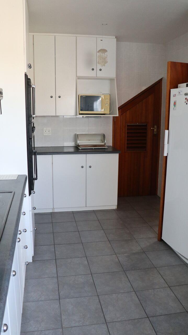 5 Bedroom House For Sale in Fairway Heights