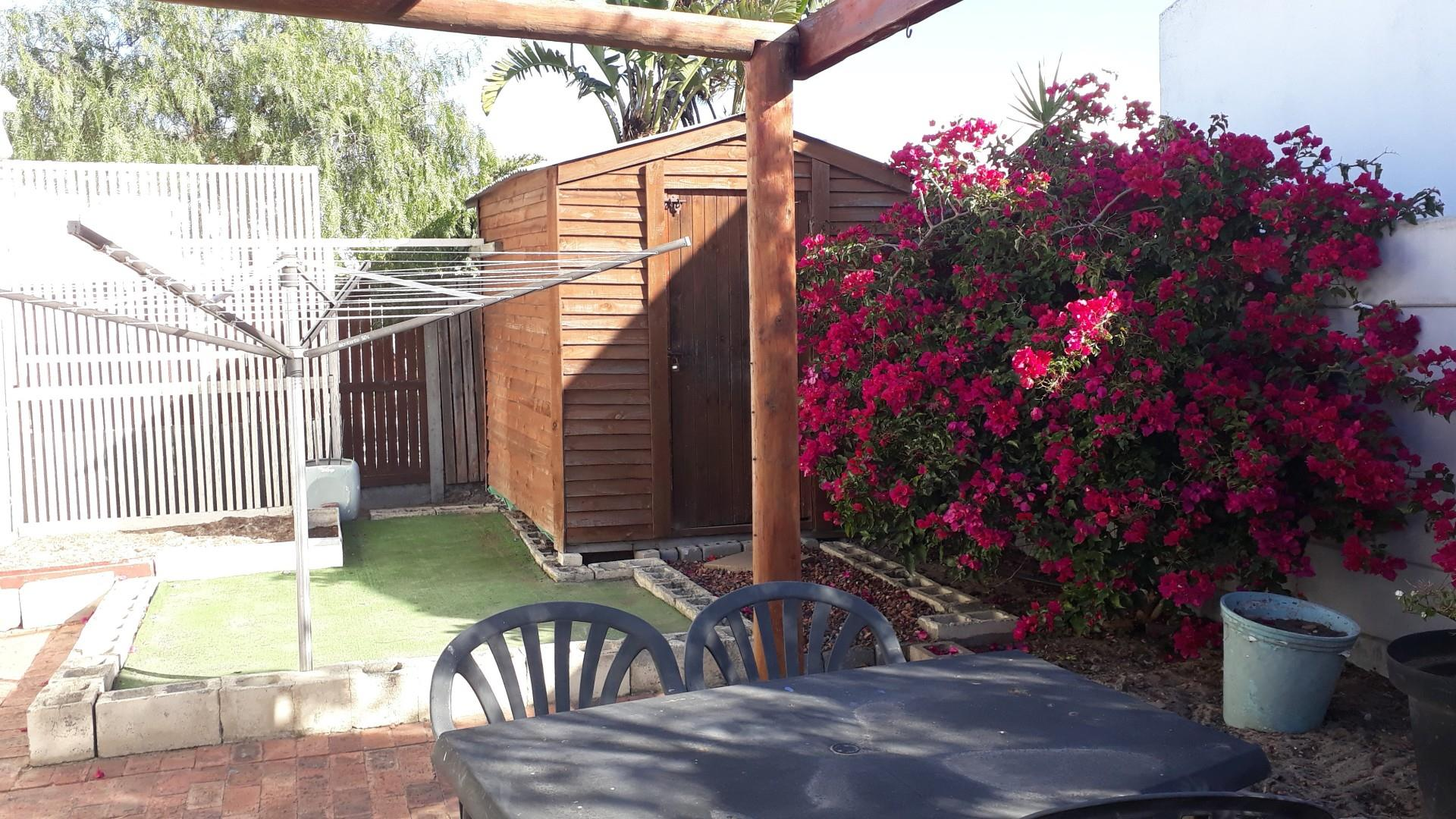 2 Bedroom House For Sale in Marina Da Gama